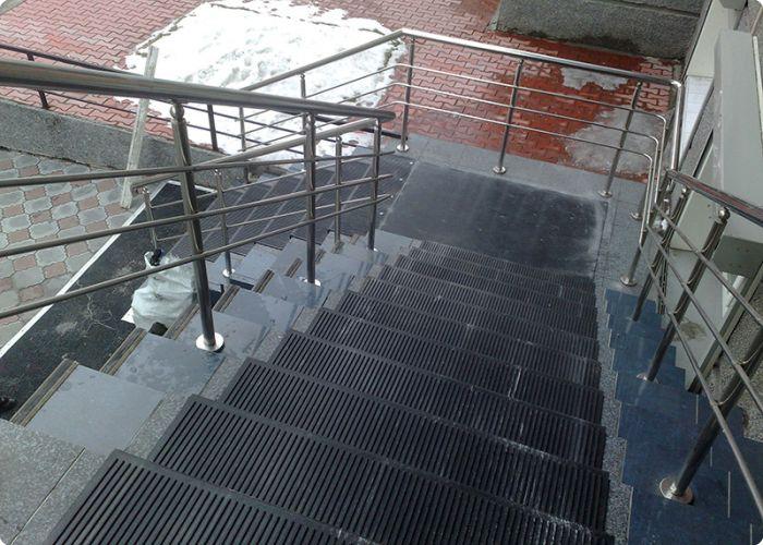 накладки на лестницу из резины