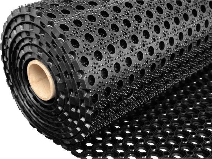 резиновое рулонное покрытие с отверстиями