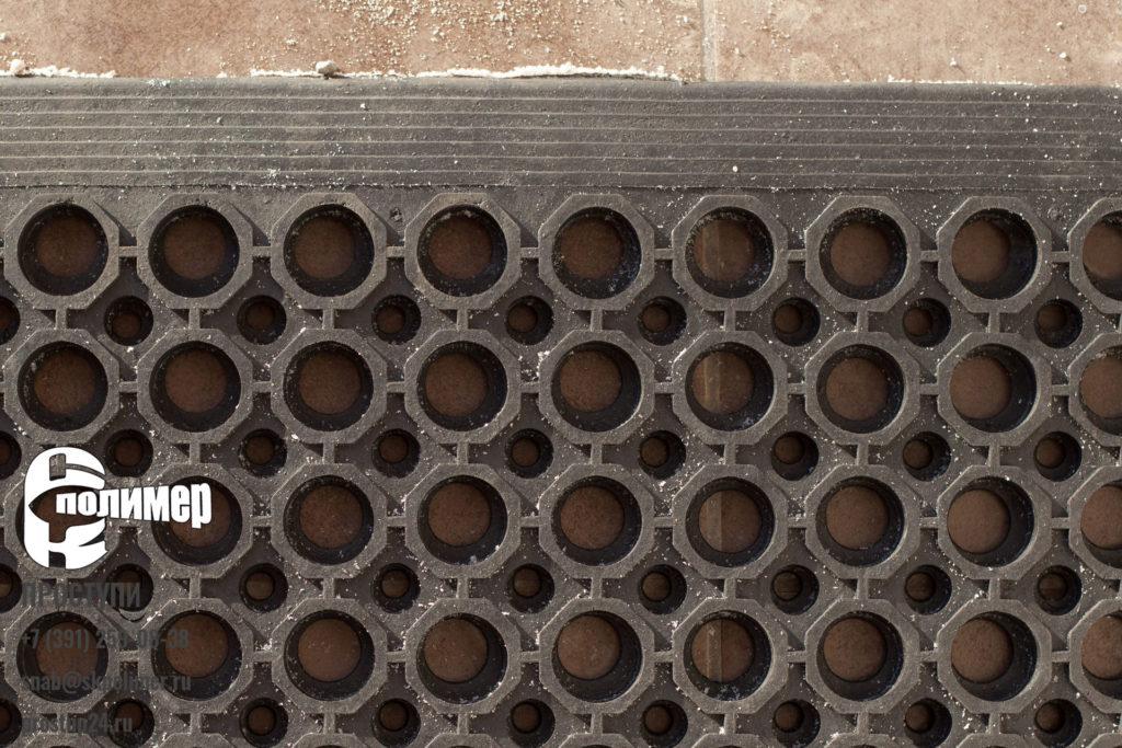 грязезащитный коврик резиновый с отверстиями