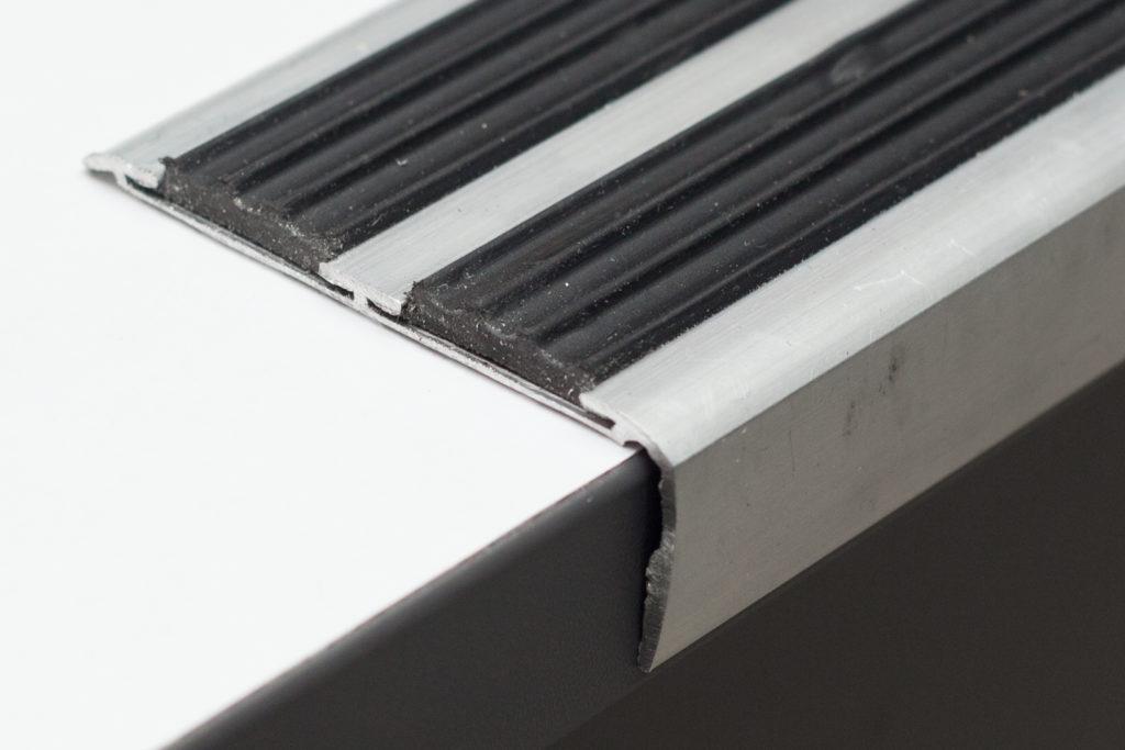 профиль угловой алюминиевый