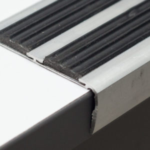 Порог угловой (Угол) + вставка  (65х25х1800мм) алюминиевый